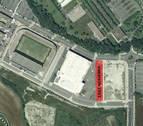 El vial situado junto al Navarra Arena recupera el topónimo 'Aizagerria'