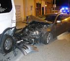 Un conductor que triplicaba la tasa de alcohol choca contra tres vehículos en Pamplona