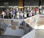 El Parlamento homenajea a los arquitectos Arraiza, Esparza y Gaztelu