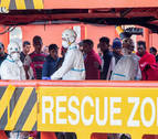 Rescatan a 56 inmigrantes llegados a bordo de 5 pateras a las costas de Murcia