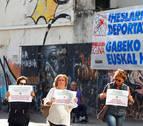 Consuelo Ordóñez irrumpe en un acto por los huidos de ETA y pide