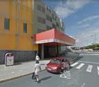 Evacuadas 28 personas tras un incendio en un centro comercial de A Coruña