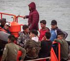 Rescatan a 49 inmigrantes de una patera en el Estrecho de Gibraltar
