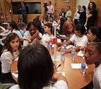 Alumnas de Sarriguren promocionan la igualdad de género con Acciona