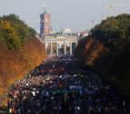 Una marea humana protesta en Berlín contra el racismo y la ultraderecha