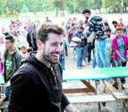 Un pamplonés busca mecenas para su libro de recetas nacido en un campo de refugiados