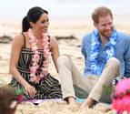 El príncipe Enrique y Meghan, descalzos en una playa de Sídney por la salud mental