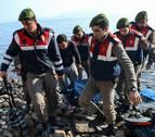 Mueren dos menores refugiados al volcar su barca entre Turquía y Grecia
