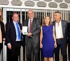 Un doctor de la CUN recibe la medalla de la Fundación Española de Endocrinología