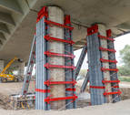 Audenasa refuerza dos pilares del puente de la AP-15 en Castejón