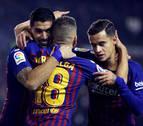 Dembelé y Luis Suárez salvan al Barcelona de ser partido por un Rayo
