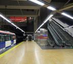 Muere el hombre arrollado por el metro en Madrid tras saltar entre los acoples