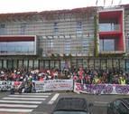 Centenares de vecinos del Valle de Elorz se concentran contra la planta de residuos