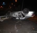 Trasladado al CHN un conductor ebrio y sin carné que volcó en Iturrama