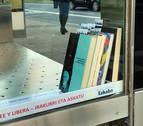 Crossbooking en marquesinas de la Rochapea o cómo no tener excusas para no leer