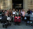 La oposición critica que el cuatripartito ha vetado el debate del IRPF de las madres