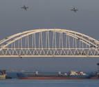 Ucrania acusa a Rusia de herir a varios militares y apresar tres buques