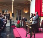Saray recibe la Medalla de Oro de Navarra como una