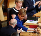 El Parlamento escocés rechaza por amplia mayoría el acuerdo del