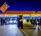 Los CDR levantan las barreras de autopistas catalanas con la impunidad de los Mossos