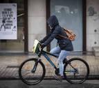 La ordenanza de movilidad de Pamplona saca a bicis y patinetes de las aceras