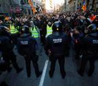 Doce tramos viarios siguen cortados en Cataluña, con el Gobierno ya reunido
