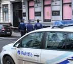 Un hombre dispara con un arma de guerra contra un restaurante de Bruselas