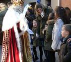 Alegría entre niños y mayores en la cabalgata de los Reyes Magos en Cintruénigo