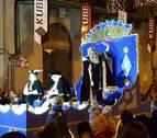 Despliegue de carrozas en la cabalgata de los Reyes Magos en Tafalla