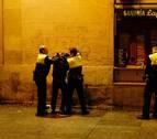 Dos hermanos, denunciados por Policía Foral, Guardia Civil y Policía Municipal en 5 horas