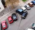 Un conductor ebrio golpea con su coche a varios vehículos aparcados en Pamplona