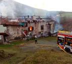 Un incendio destruye un caserío en Erratzu (Baztan) sin causar heridos