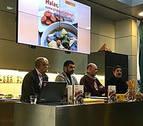 Un libro recoge una treintena de recetas de la gastronomía gitana