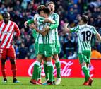 El Betis remonta ante el Girona con un gol de penalti de Canales en el descuento