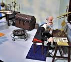Una exposición muestra la historia de la ciencia con plastilina en Pamplona