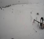 La nieve cierra el puerto de Belagua y la carretera de San Miguel de Aralar