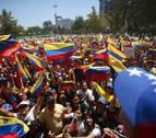 Maduro jura defender a Venezuela de la misma forma que Guaidó