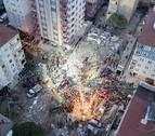 Ascienden a seis los muertos por el derrumbe de un edificio en Estambul
