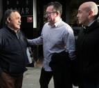 El encuentro entre un hombre que sufrió una parada cardíaca en Pamplona y sus dos salvadores