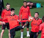 El Ajax amenaza el billete a cuartos de un Madrid deprimido