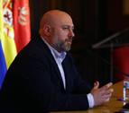 Denuncian al delegado del Gobierno en Navarra por no prohibir el acto de Patxi Ruiz