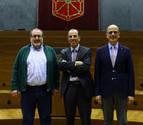Despedidas en el último pleno de legislatura del Parlamento foral
