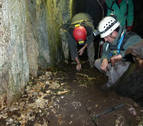Exhumados los restos de dos posibles presos de la fuga de Ezkaba en la sima de Ardaitz