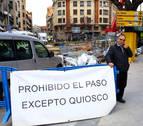 Las obras 'fagocitan' al quiosquero de la avenida de San Ignacio de Pamplona