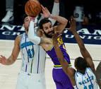 Ricky Rubio brilla y entierra las opciones de 'playoffs' de los Hornets