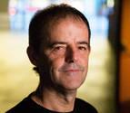 El escritor Jon Arretxe lleva sus viajes al Civivox Iturrama
