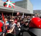 Agreden e insultan a simpatizantes de Vox tras un mitin en San Sebastián