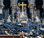 Macron se compromete a reconstruir Notre Dame
