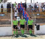 En Tudela, fútbol en un estadio en riesgo de derrumbe