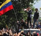 Guaidó y López encabezan una gran marcha por Caracas contra Maduro